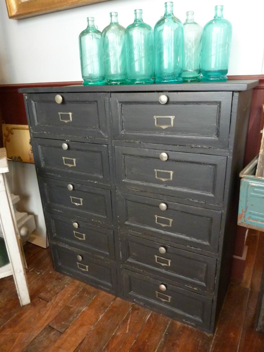 Meuble de notaire clapets en bois peint mobilier for Bureau meuble notaire