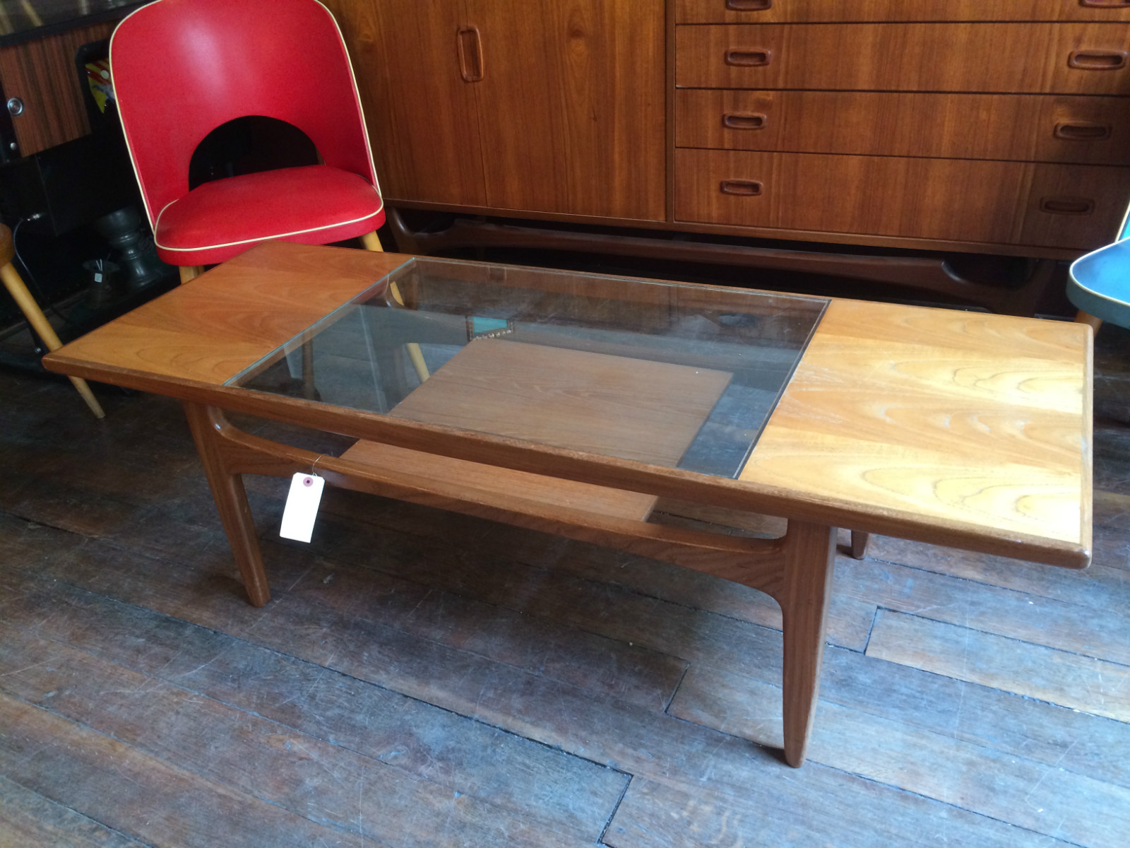 Table basse scandinave double plateau verre et teck ann e for Table basse double plateau scandinave