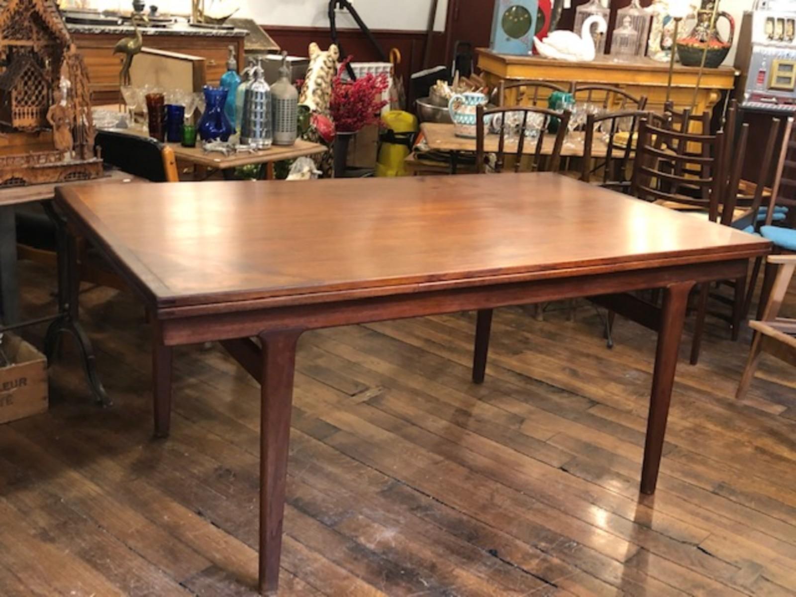 Table rallonges scandinave en palissandre et teck Table scandinave avec rallonge