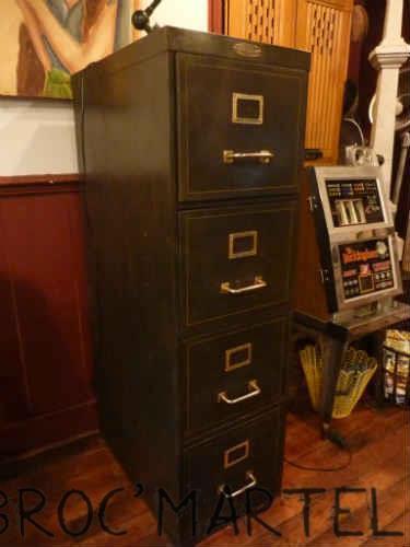 loft boutique. Black Bedroom Furniture Sets. Home Design Ideas