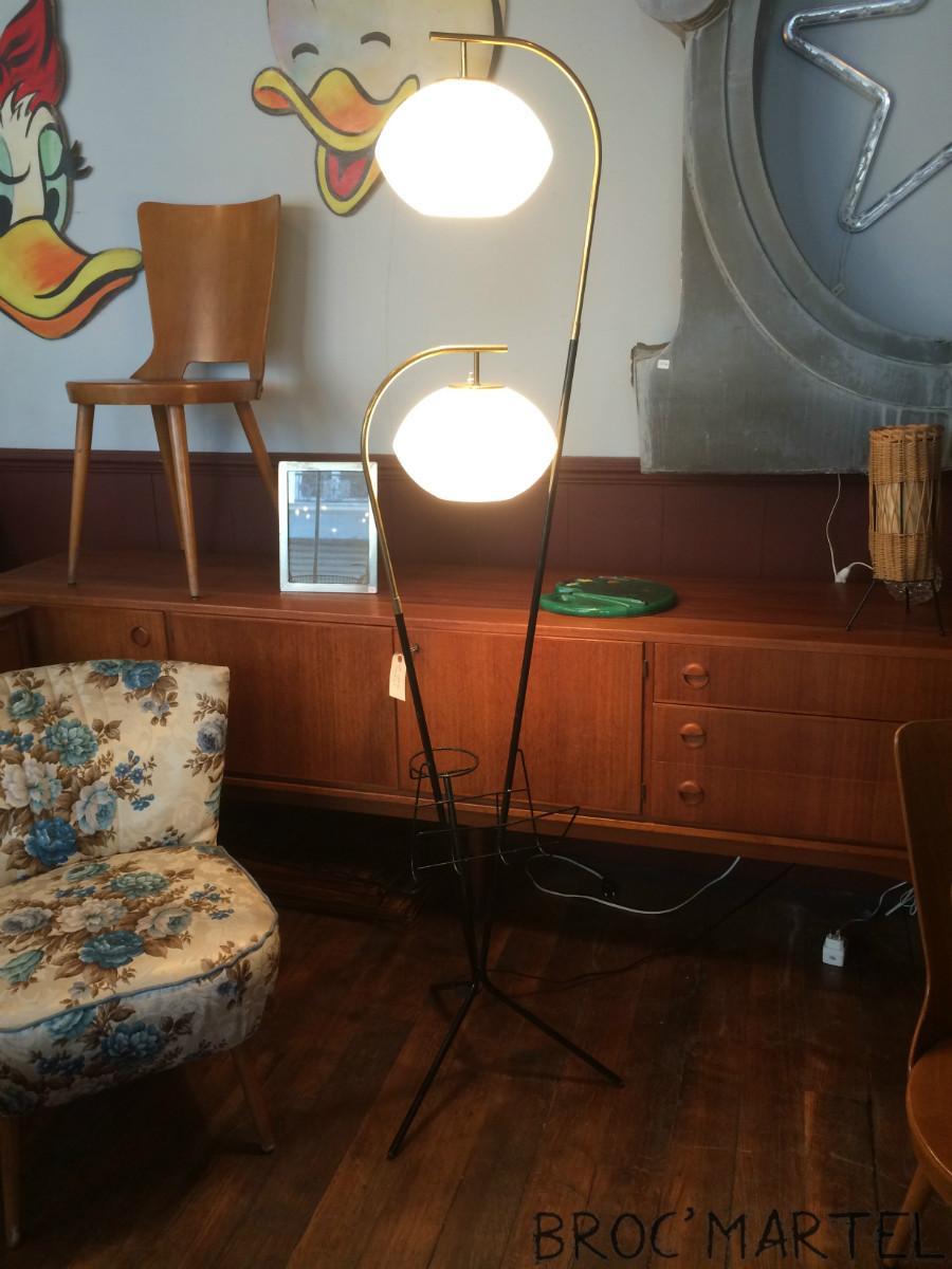 lampadaire tripode ann e 50 stilnovo boutique broc martel. Black Bedroom Furniture Sets. Home Design Ideas