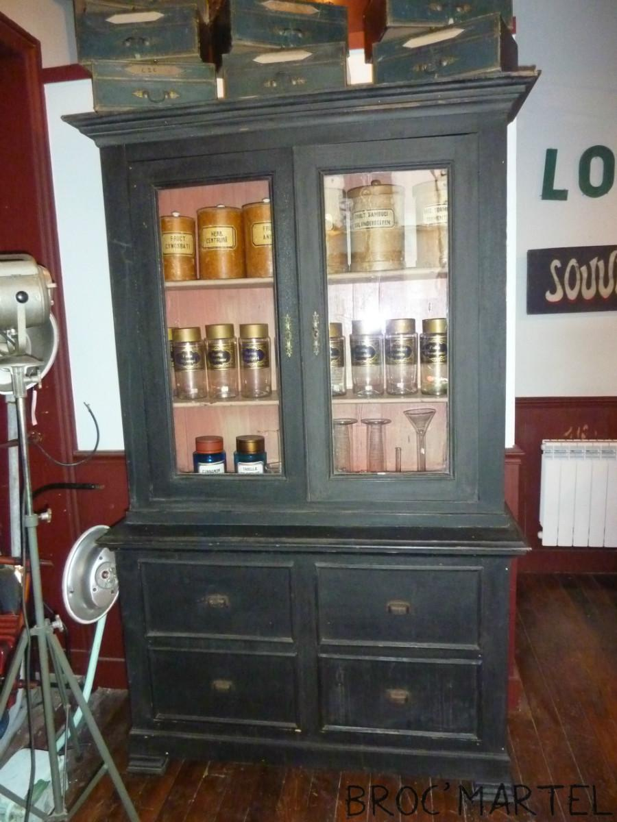 meuble vitrine de pharmacie archives boutique broc. Black Bedroom Furniture Sets. Home Design Ideas